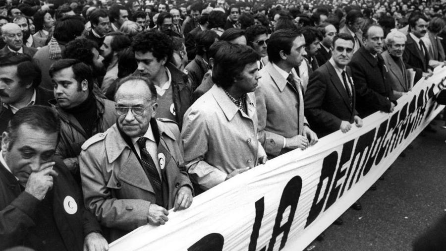 Transición, manifestación contra el golpe de estado.